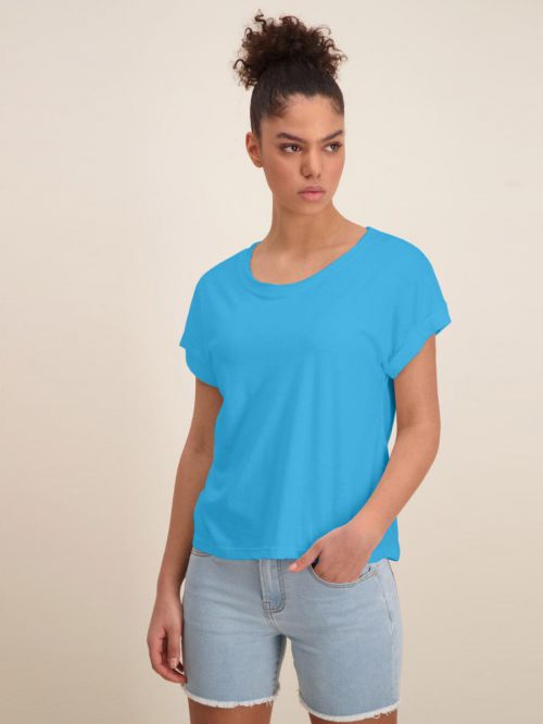 ROLLED UP SLEEVE T