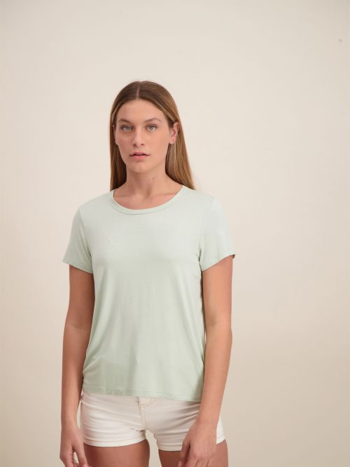 LOOSE AND SOFT SHIRT